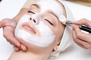 Козметични Услуги - Класическо почистване на лице